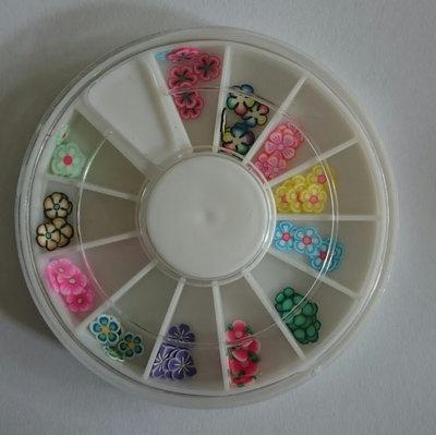 12 vaks nail art carrousel met gesorteerde fimo klei bloemen