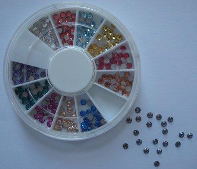 12 vaks Nail art carrousel met diversen gekleurde 4mm strass steentjes